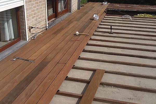 aanleg-van-houten-terras